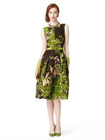 SLEEVELESS BOAT NECK DRESS | Oscar De La Renta | business woman