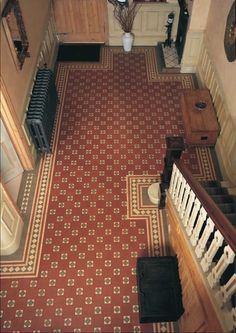 i like this shade of red/orange for the entrance hall tiles Edwardian Hallway, Victorian Tiles, Victorian Interiors, Victorian Design, Victorian Flooring, Victorian Decor, Victorian House, Hall Tiles, Decorative Accents
