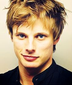 bradley james smile - photo #40