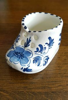Pottery & China Signed Blue Delft Ashtray From Holland Vintage High Quality And Low Overhead Pottery & Glass