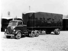 1937 International COE tracktor