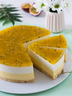Cheesecakes, Cashew Yogurt, Cashew Cheesecake, Delicious Desserts, Dessert Recipes, Mango Cream, Passion Fruit Juice, Sweet Bakery, Cake Tasting