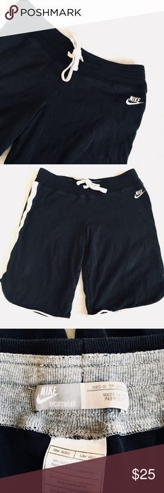 Vintage Nike Shorts ✨ Vintage Nike stretch shorts - Comfortable length - Excellent condition✨ Nike Shorts