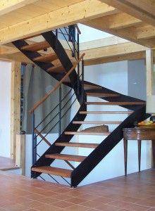 escalier quart tournant limon lat ral structure. Black Bedroom Furniture Sets. Home Design Ideas