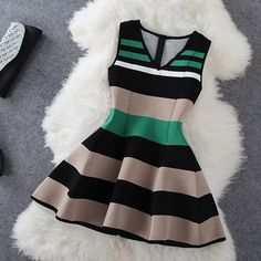 Fashion stripe sleeveless V-neck dress
