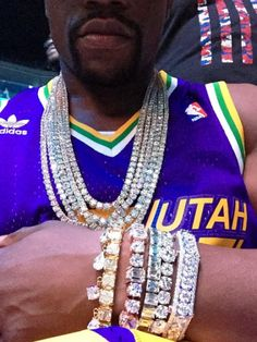 See how Floyd Mayweather spends his money... from super cars to private jets, from bling watches to dozens of pairs of shoes, dude just got himself $15millionworth of jewelery - http://www.nollywoodfreaks.com/see-how-floyd-mayweather-spends-his-money-from-super-cars-to-private-jets-from-bling-watches-to-dozens-of-pairs-of-shoes-dude-just-got-himself-15million-worth-of-jewelery/