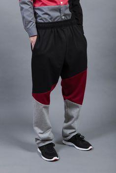 Image of pantalón tipo chandal picos en negro, granate y gris. black, maroon & gray pants. ULTIMO.
