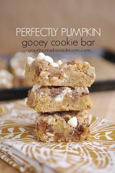 Pumpkin Spice Magic Cookie Bars Recipe #bars #pumpkinspice #pumpkindesserts #pumpkingooeybars