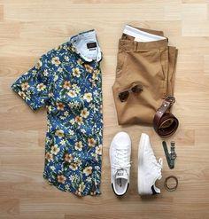 Look Masculino com Camisa Estampada Floral