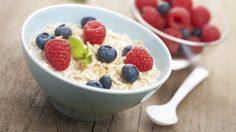 Køleskabsgrød er en lækker dansk opskrift af Ditte Ingemann fra Go' morgen Danmark, se flere snacks på mad.tv2.dk