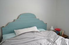 """Headboard made out of pallets! Love the color..Pinned to """"It's a Pallet Jack"""" by Pamela"""