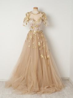 2019 Gold Appliques Champagne Tulle Prom Dresses,A-line Short Sleeves Long Prom Evening Dresses Source by storenvy dress gowns Beautiful Prom Dresses, Elegant Dresses, Pretty Dresses, Pretty Outfits, Long Dresses, Maxi Dresses, Awesome Dresses, Sparkly Dresses, Bridesmaid Dresses