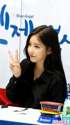 [Fancam] 151107 소연 (Soyeon, T-ARA, 티아라) 팬싸인회 - 셀카 찍어주는 소연 @ 킨텍스 직캠 By SS...