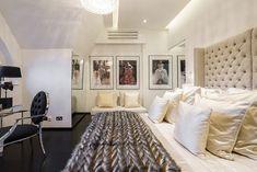Inside Alexander McQueen's former London penthouse flat London Mansion, Penthouse London, London Real Estate, Latest Fashion Design, Celebrity Houses, Home And Living, Living Room, Alexander Mcqueen, House Design