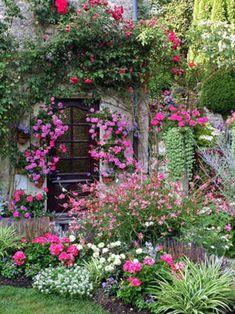 Heerlijk, zo'n overvloedig bloeiende tuin.