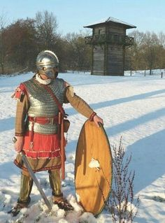 Comitatensis elite Roman soldier on the northern Rhine limes, IV century, just after the Emperor Iulianus' victory at the Argentoratus battle against the Cnodomarius' Alamannian army
