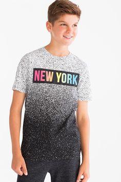 Niños - Camiseta de manga corta - Algodón orgánico - negro / blanco Tee Shirt Designs, Tee Design, Casual Shirts, Tee Shirts, Mens Fall, Kid Styles, Mens Tees, Shirt Style, Sportswear