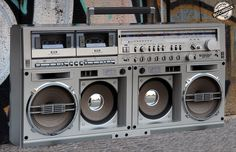 www.BOOMBOX.sk - rádiomagnetofóny a iná vintage elektronika - www.BOOMBOX.sk - rádiomagnetofóny a iná vintage elektronika