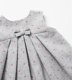 ✔ Dress Patterns For Little Girls Toddlers Baby Frocks Style, Baby Girl Frocks, Baby Frocks Designs, Kids Frocks Design, Frocks For Girls, Baby Summer Dresses, Toddler Girl Dresses, Little Girl Dresses, Summer Baby