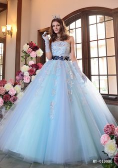 水色カラードレス人気ナンバーワン! | ブライダルHIRO Crazy Dresses, Lovely Dresses, Beautiful Gowns, Princess Wedding Dresses, Colored Wedding Dresses, Ball Gown Dresses, Prom Dresses, Bridal Gowns, Wedding Gowns