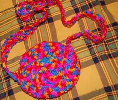 Bolso en lana realizado en ganchillo