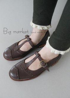 Homz Vintage T Design Women Shoes Handmade Leather Flats by HOMZ, $98.00