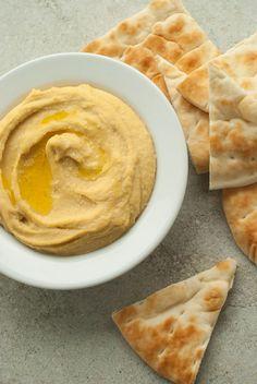 Super Simple and Creamy Hummus