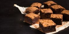 РЕЦЕПТЫ: Быстрый брауни в одной посуде - http://lifehacker.ru/2016/05/15/one-bowl-brownies-recipe/