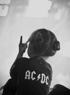 ACDC, rock, and music image Baby Kind, Baby Love, Baby Baby, Cute Kids, Cute Babies, Funny Kids, El Rock And Roll, Rock And Rool, Rock And Roll Fashion