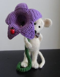 Hey, I found this really awesome Etsy listing at https://www.etsy.com/uk/listing/157000253/little-mouse-and-flower-ooak-stuffed