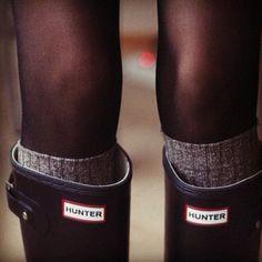 Wellies, tall socks, sheer tights, love this look! Looks Chic, Looks Style, Zalando Shoes, Tall Socks, Boot Socks, Knee Socks, High Socks, Boot Cuffs, Over Boots