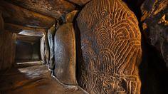 Le merveilleux travaille des Néolithiques dans le Tumulus de Gavrinis... un des rares gardé intact grâce à son insularité.