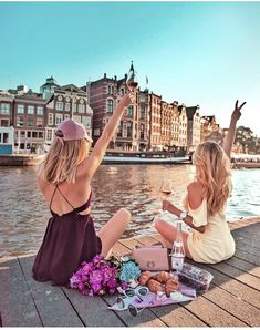 The best feeling is running out of pages in your passport do you agree? Bff Pictures, Best Friend Pictures, Artsy Photos, Girls Vacation, Female Friends, Instagram Worthy, Best Friend Goals, City Photography, Best Friends Forever
