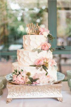 Warm Arizona wedding with tender engagement sorry!Source From Warm Arizona wedding with tender wedding cake.