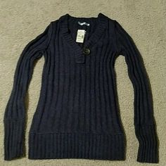 Maurices Medium sweater fits like small Brand new, super cute Maurice's sweater.  Size medium, fits more like a small.  Only ever tried on, new with tags. Maurices Sweaters V-Necks
