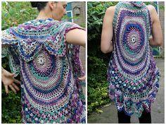 LINDEVROUWSWEB: Circular Vest - Cirkel vest Page not in English http://lindevrouwsweb.blogspot.com/2011/08/vest-bont-rond-hesje.html