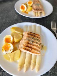 Grillezett lazac spárgával French Toast, Breakfast, Food, Morning Coffee, Essen, Meals, Yemek, Eten