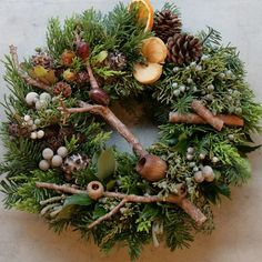 Nature's Bounty in this gorgeous Rustic Christmas wreath! Natural Christmas, Christmas Flowers, Rustic Christmas, Winter Christmas, Christmas Time, Christmas Crafts, Christmas Decorations, Beautiful Christmas, Wreaths And Garlands