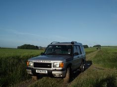 Land Rover Discovery, early morning out on the tracks