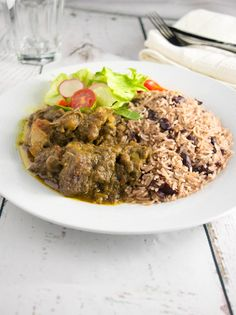 Cook like a Jamaican and browse the largest and best collection of Jamaican recipes and food. Here you will learn everything you need to know about Jamaican food and Jamaican style of cooking. Jamaican Cuisine, Jamaican Dishes, Jamaican Recipes, Caribbean Recipes, Caribbean Food, Curry Goat, Trinidad Recipes, Chicken Salad With Apples, Jamaica Food