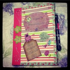 Smashbook personalizado... #ScrapBook #Literatura #Books #Quotes #Artes #Paper #UniversoParticular #AmoMuitoTudoIsso #Craft #VidaDeBlogueira #Artesanato #SmashBook #SmashTerapia #Craft #Love #Vintage