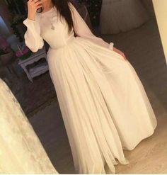 Hijab Prom Dress, Hijab Evening Dress, Hijab Style Dress, Hijab Wedding Dresses, Prom Dresses, Hijab Fashion Summer, Modern Hijab Fashion, Pretty Dresses, Beautiful Dresses