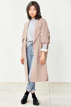 Trench-coat drapé à manches chauve-souris UNIF
