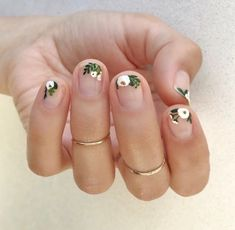 Hand painted White Floral using Essie Martin - Best Nail Art
