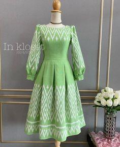 Modest Long Dresses, Long Gowns, Cute Girl Poses, Cute Girls, Batik Fashion, Women's Fashion, Sunday Dress, Batik Dress, Western Dresses