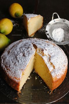 lemon cake with ricotta cheese and yogurt Italian Desserts, Italian Recipes, Tea Cakes, Cupcake Cakes, Yogurt Cake, Yogurt Recipes, Pound Cake Recipes, Bakery Cakes, Macaron