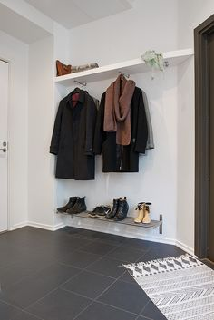 Spacious apartment in Sweden features charming details hallway closet organization Clothes Hanger Storage, Shoe Storage, Storage Ideas, Entry Coat Rack, Entryway Storage, Entryway Ideas, Entrance Ideas, Small Entrance Halls, Entrance Decor