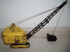 VINTAGE 1957 GOLD TONKA HYDRAULIC DUMPTRUCK NICE AND ALL