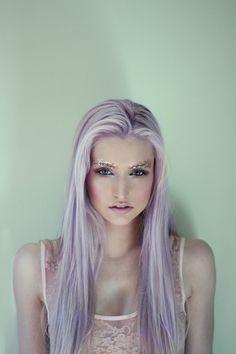 Styling inspiration; glitter eyebrows, killer lilac hair