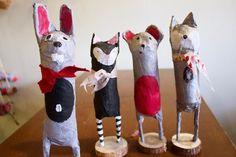 Paper Mache animals made from TP tubes - Art Projects - Crafts Paper Mache Crafts For Kids, Paper Mache Projects, Making Paper Mache, Paper Mache Clay, Paper Mache Sculpture, Art Projects, Paper Crafts, Paper Paper, Summer Camp Art
